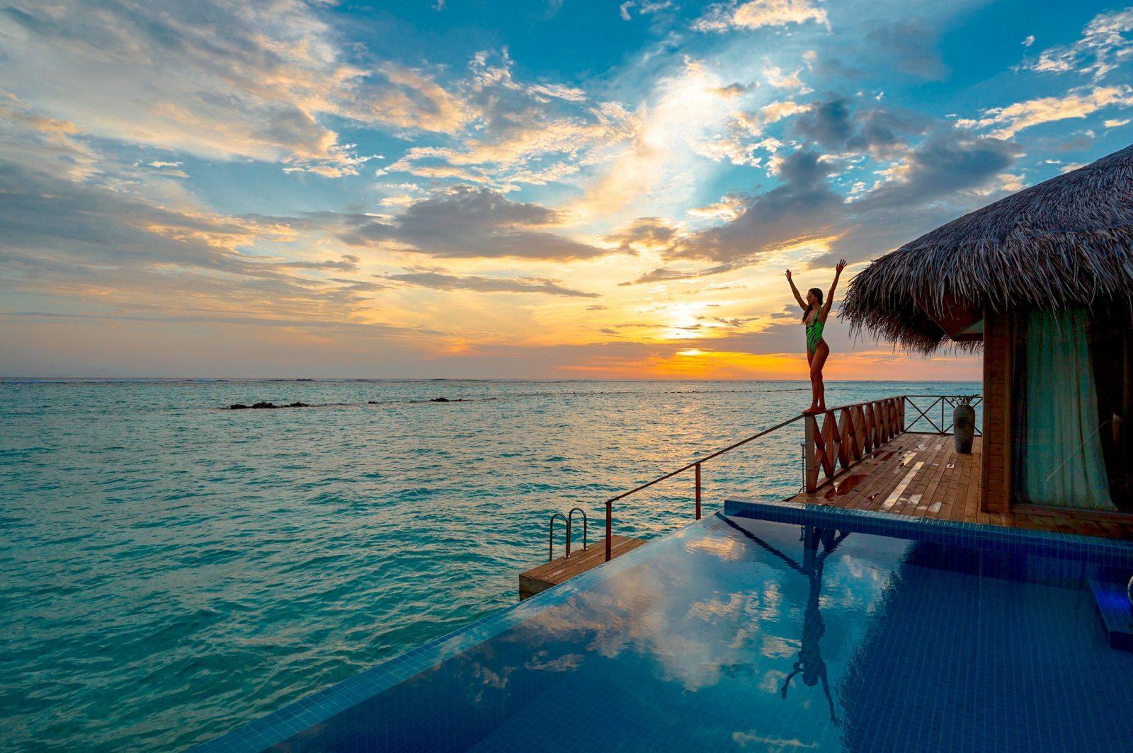 beautiful sunset ocean luxury travel